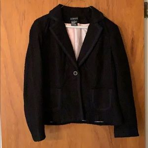 Black blazer with puckering